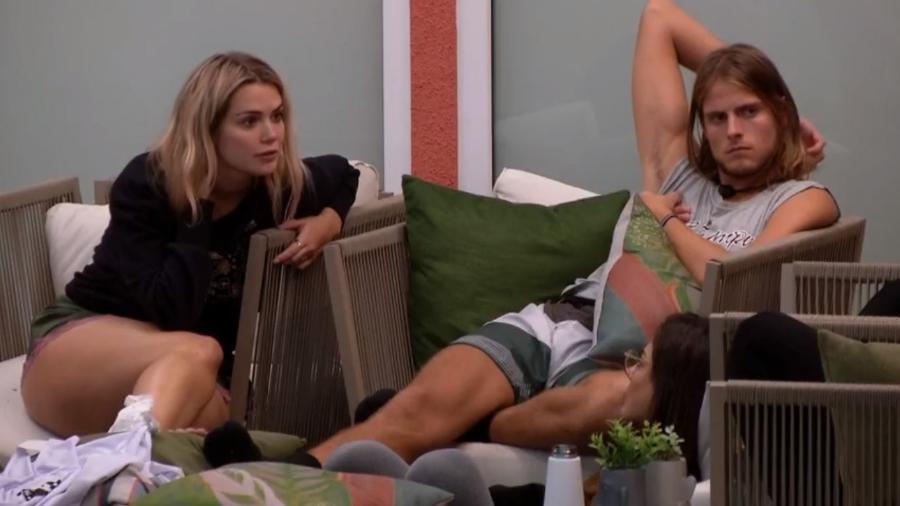 Marcela criticou comportamento de Thelma sobre Babu