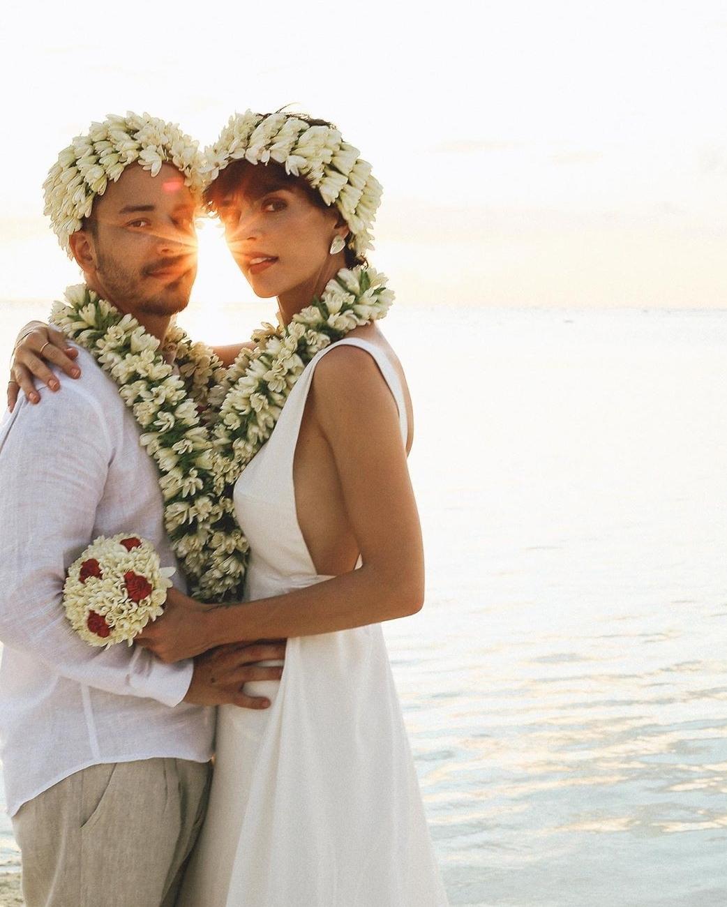 Junior Lima e Monica Benini renovam votos de casamento em hotel com diárias a partir de R$17 mil