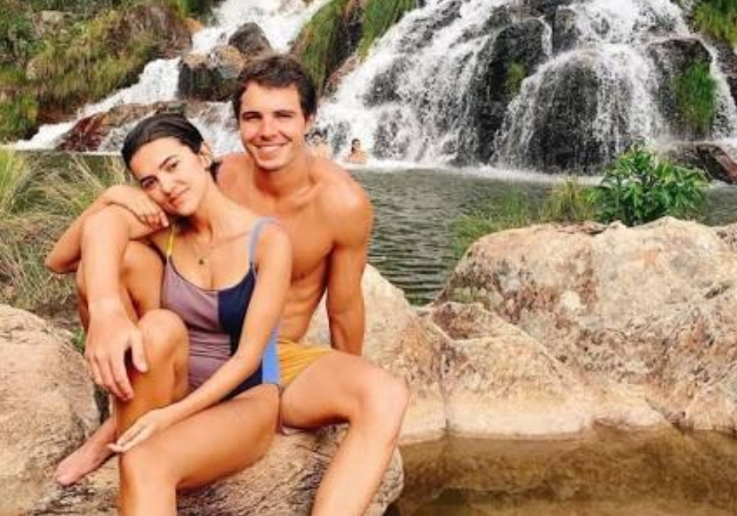Manu Gavassi comemora dois meses de namoro confinada no BBB