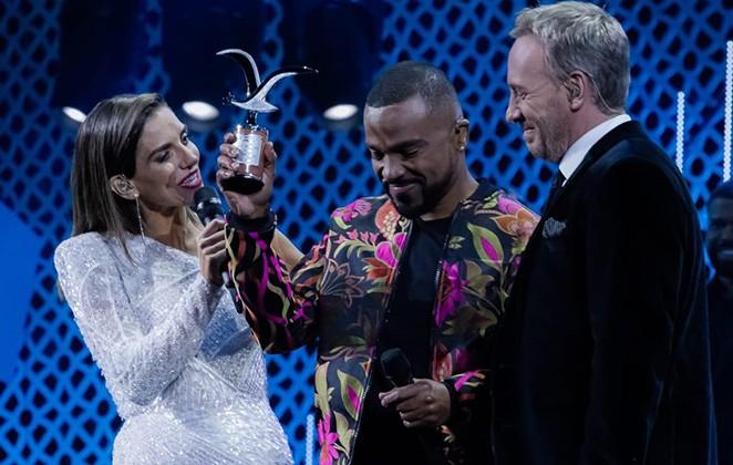Alexandre Pires leva 2 prêmios durante festival no Chile