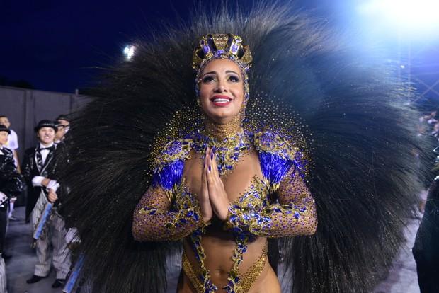 """Ex rainha de bateria solta o verbo sobre carnaval paulista """"Hoje tem que ir pendurada de cristais"""""""