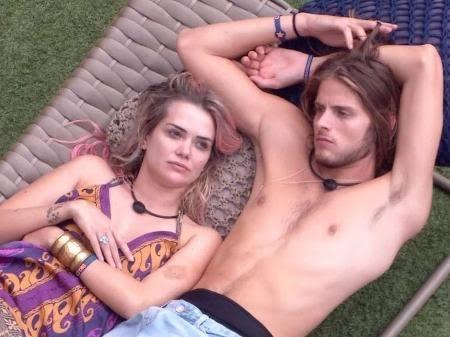 Daniel e Marcela namoram no BBB20