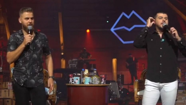 Zé Neto e Cristiano durante live